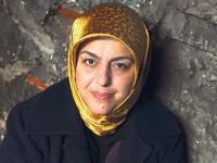 Sibel Eraslan: 'Bilsen uzaklarda kimler ağlıyor'