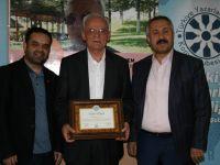 Yazar Mustafa Özçelik TYB Konya'da konuştu: Batılı formla yerli edebiyat olmaz