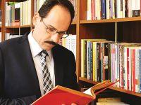 İbrahim Kalın'ın yeni kitabı 'Ben, Öteki ve Ötesi' kitabı raftaki yerini aldı