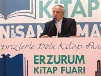 M. Hanefi İspirli, Kitap Fuarı'nda Erzurumlu Şairleri Anlattı