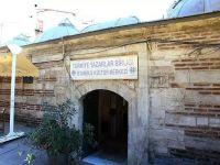 Esnaf Kızlarağası Medresesi'ni işgal ediyor