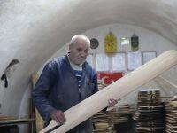 Şanlıurfa'da 600 Yıllık Dükkânda Fırın Küreğine Devam