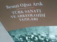 Remzi Oğuz Arık'a Göre Türk Sanatına Dikilen Mezar Taşları Hangi Yapılar?