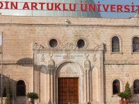 Mardin Artuklu Üniversitesi'nde Türkçe, İngilizce, Arapça, Kürtçe, Süryanice ve Farsça Kitaplar