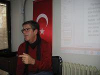 İzmir Şubesi' nde Dil üzerine birçok şey söyleşisi