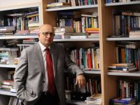 Nihat Ali Özcan: Kitabın ortasından Fırat'ın doğusu