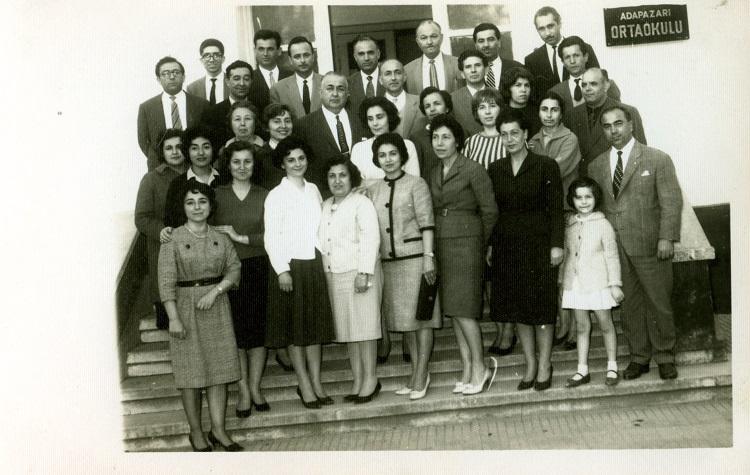 3c.adapazari-ortaokulu-ogretmenleri---1962---altan-balcioglu-arsivi-(1).jpg