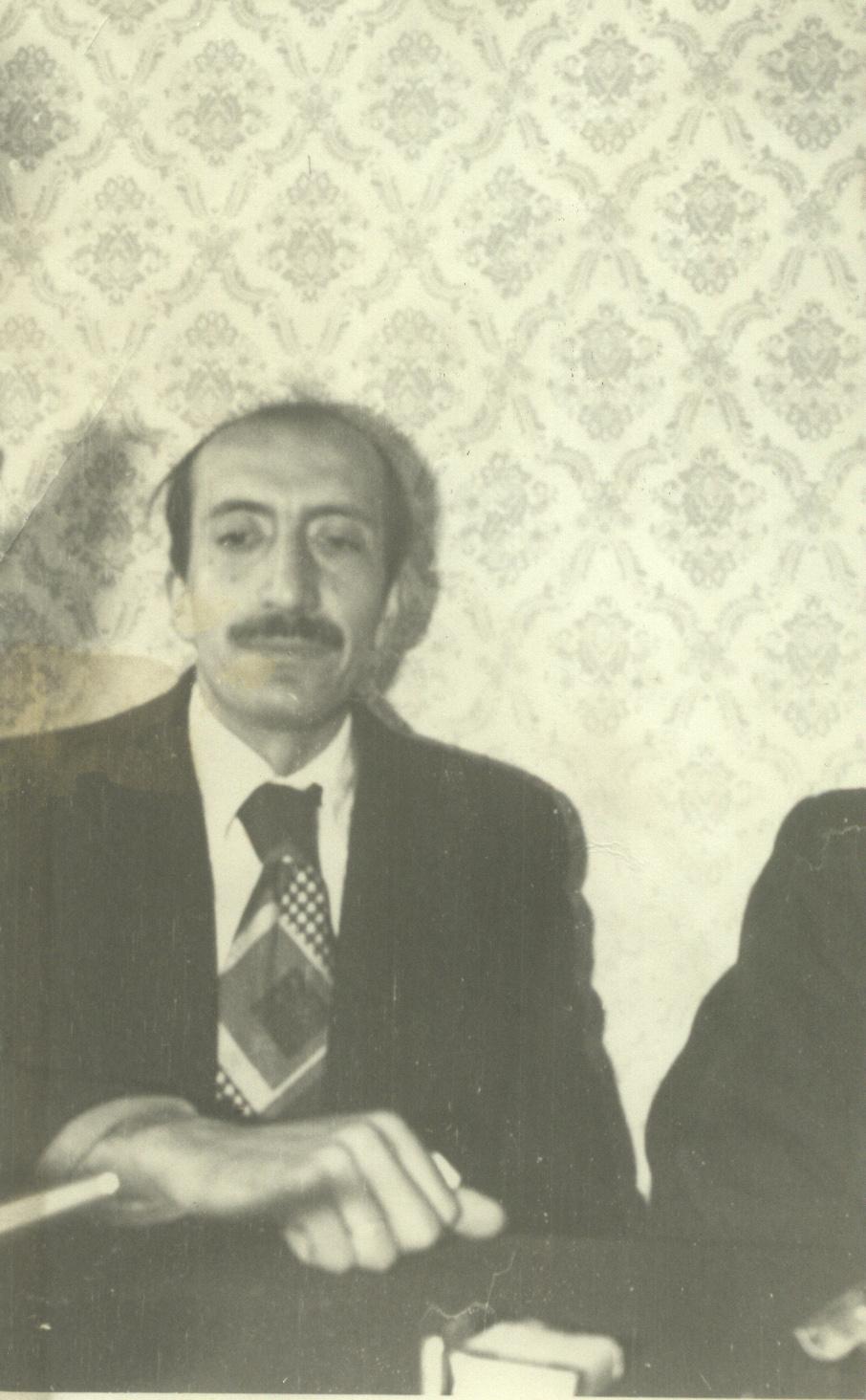 abdurrahman-dilipak-(yazarlar-birligi,-hatay-sokagi,-1979).jpg