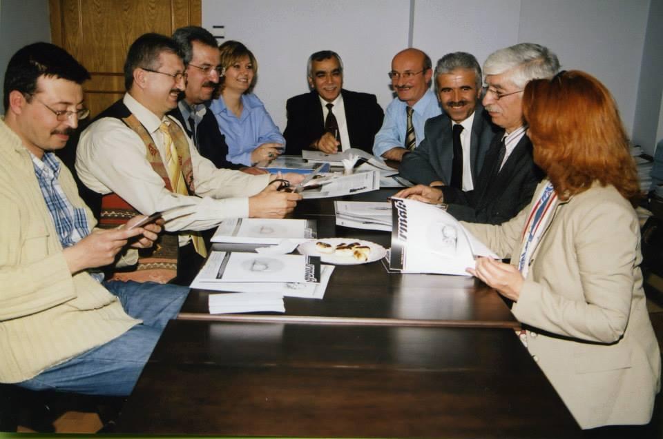 irmak-dergisi-yayin-kurulu-toplantisi-2005--(3).jpg