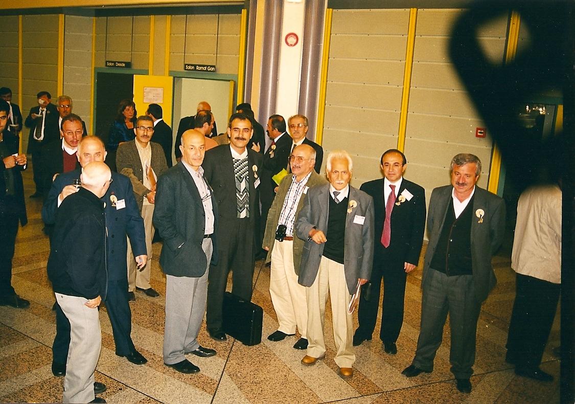 strazburg,-2003-metin-onal-mengusoglu,-vahab-akbas,-bahattin-karakoc,--d.-mehmet-dogan.-arkada-mustafa-miyasoglu-001.jpg